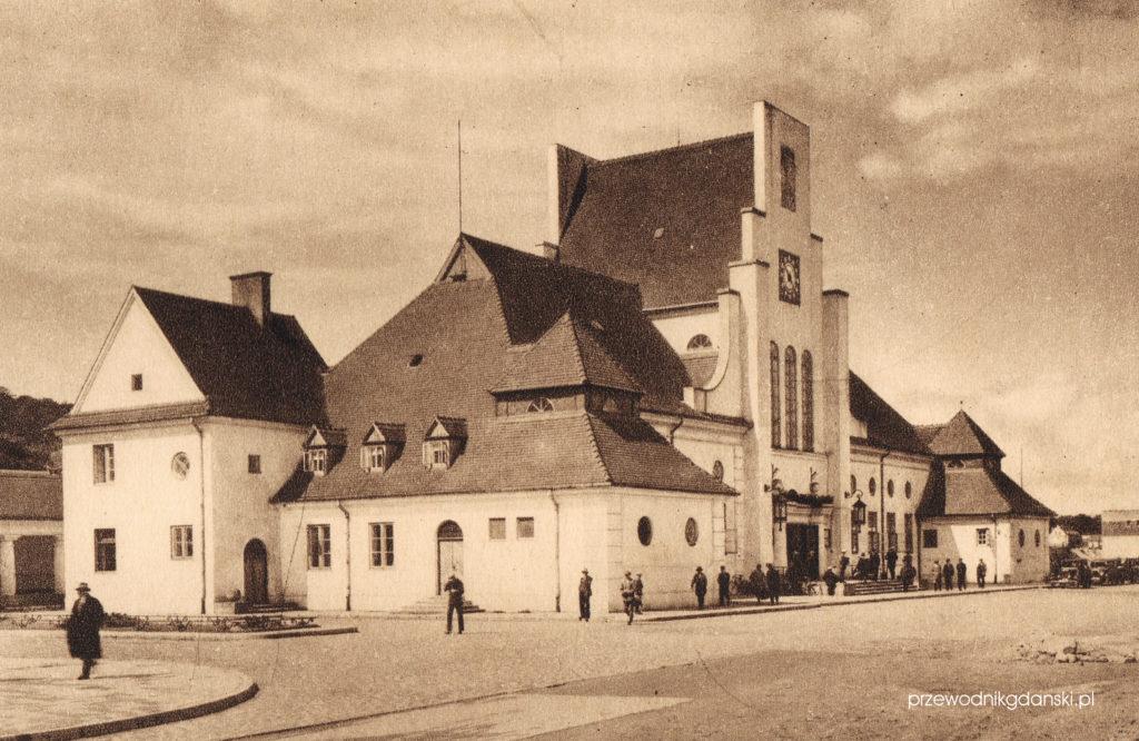 Dworzec w Gdyni, styl dworkowo-narodowy
